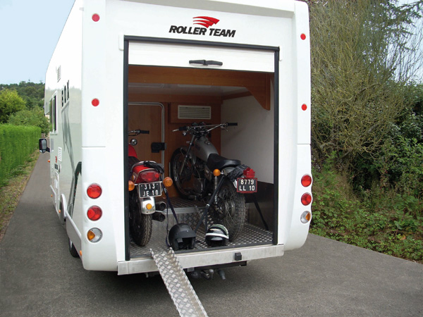 Roller team for Case con annesso garage per camper